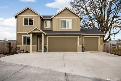 Single Family Home For Sale: 1305 NE 1st Ct