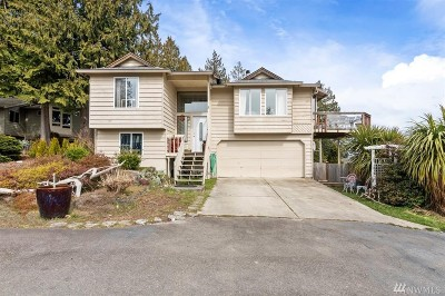 Port Orchard Single Family Home For Sale: 993 Puget Dr E