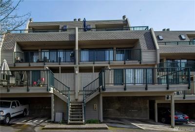 Redmond Condo/Townhouse For Sale: 8851 166th Ave NE #A105