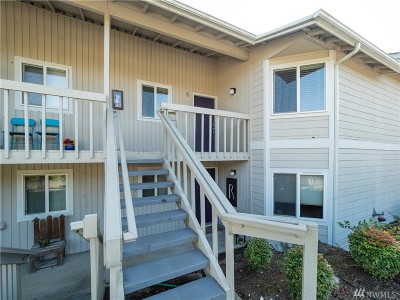 Poulsbo Condo/Townhouse For Sale: 19811 3rd Ave NW #B26