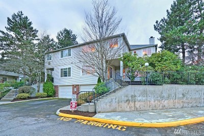 Redmond Condo/Townhouse For Sale: 10909 Avondale Rd NE #B108