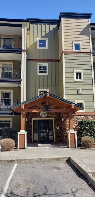 Whatcom County Condo/Townhouse For Sale: 690 32nd St #B107