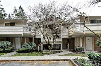 Bothell Condo/Townhouse For Sale: 16019 Waynita Wy NE #F302
