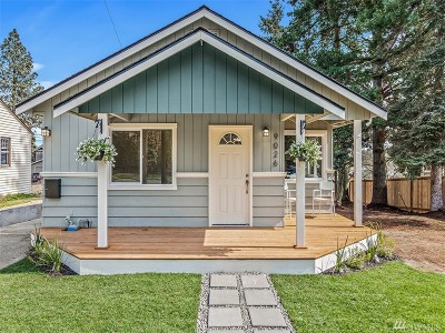 Seattle Single Family Home For Sale: 9026 32nd Ave SW