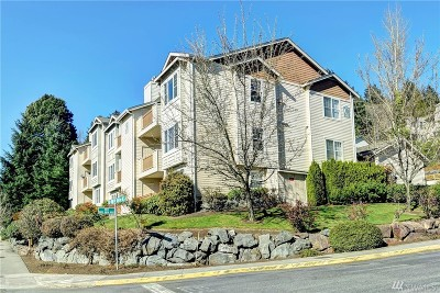 Redmond Condo/Townhouse For Sale: 8808 Redmond Woodinville Rd NE #C104