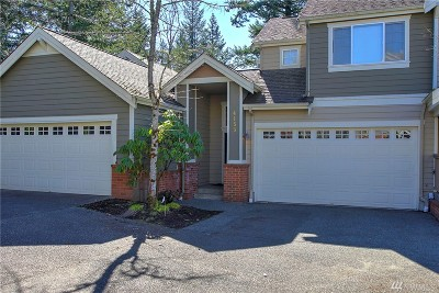 Issaquah Condo/Townhouse For Sale: 4153 248th Ct SE