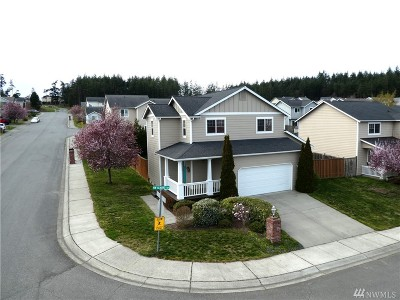 Oak Harbor Single Family Home For Sale: 1790 NW Almond Lp