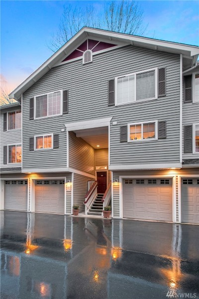 Issaquah WA Condo/Townhouse For Sale: $672,000