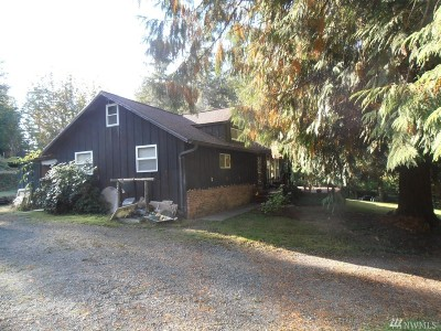 Centralia Single Family Home For Sale: 2579 Little Hanaford Rd