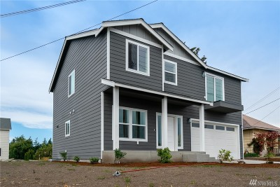 Oak Harbor Single Family Home For Sale: 1400 E Whidbey Ave