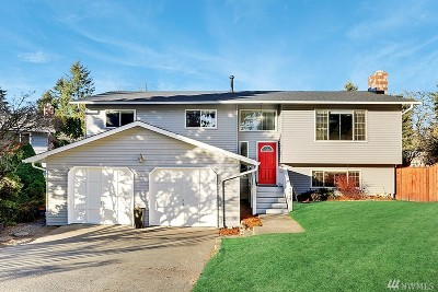 Kenmore Single Family Home For Sale: 7234 NE 152nd Place