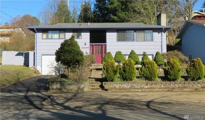 Seattle Single Family Home For Sale: 9402 SW 11th Ave
