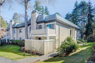 Bellevue Condo/Townhouse For Sale: 10315 NE 16th St #J4
