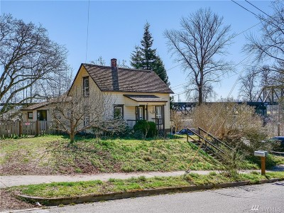 Snohomish Single Family Home For Sale: 51 Maple Ave