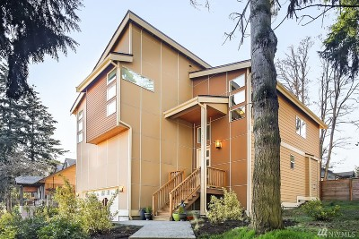 Seattle Single Family Home For Sale: 223 SW 102nd St