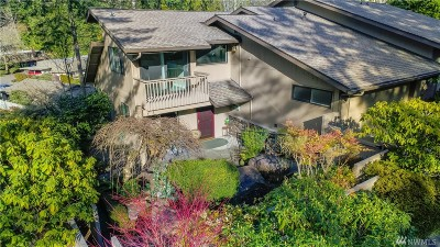 Bellevue WA Condo/Townhouse For Sale: $715,000