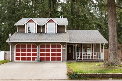 Lacey Single Family Home For Sale: 8330 Lake Forest Dr SE