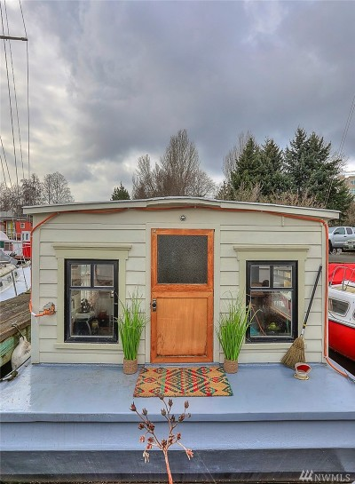 Seattle Single Family Home For Sale: 2143 N Northlake Wy #3