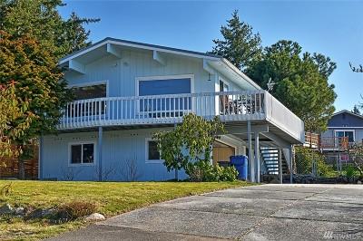 Camano Island Single Family Home For Sale: 1061 Pinehurst Ct