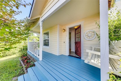 Poulsbo Single Family Home For Sale: 18634 NE Vaughn Milton Lp
