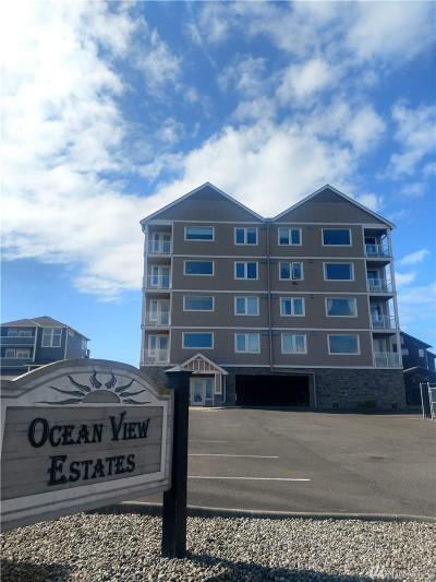 Grays Harbor County Condo/Townhouse For Sale: 1377 Ocean Shores Blvd SW #405