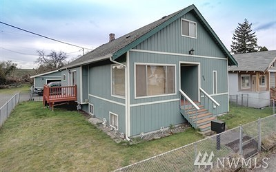Single Family Home For Sale: 806 4th St SE