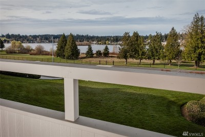 Mountlake Terrace Condo/Townhouse For Sale: 23501 Lakeview Dr #D203