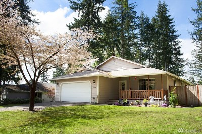 Yelm Single Family Home For Sale: 22428 Clear Lake Blvd SE