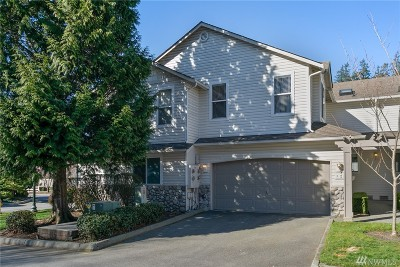 Bothell Condo/Townhouse For Sale: 2201 192nd St SE #D2