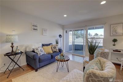 Condo/Townhouse Sold: 822 NE 100th Ave #206