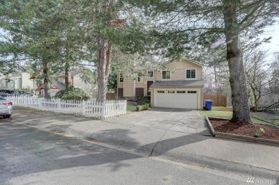 Sammamish Single Family Home For Sale: 1726 211th Place NE