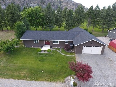 Pateros Single Family Home For Sale: 99 Golf Course Dr