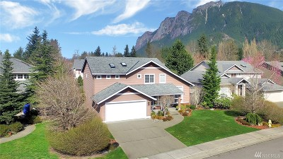 North Bend Single Family Home For Sale: 500 SE 7th St