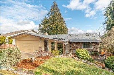 Everett Single Family Home For Sale: 7315 Yew St