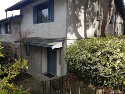 Shoreline Condo/Townhouse For Sale: 19230 15th Ave NE #B1