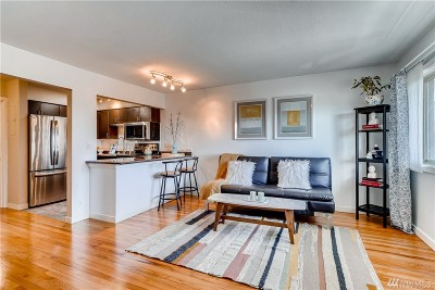 Seattle Condo/Townhouse For Sale: 7106 California Ave SW #204