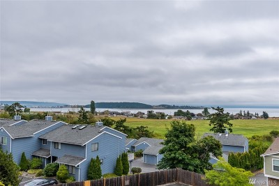 Oak Harbor Condo/Townhouse Pending Inspection: 1850 SW Scenic Heights St #B203