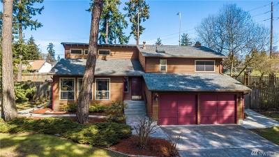 Oak Harbor Single Family Home Pending: 2129 Fireside Lane