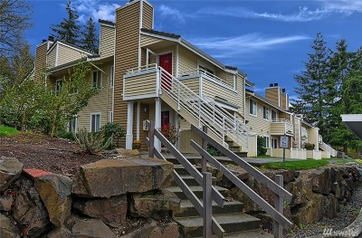Mountlake Terrace Condo/Townhouse For Sale: 21317 52nd Ave W #F135