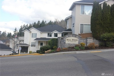 Auburn Condo/Townhouse Contingent: 4726 Mill Pond Dr SE #604