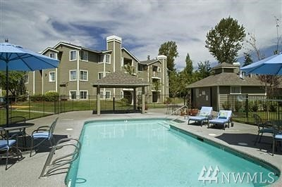 Federal Way Condo/Townhouse For Sale: 1848 S 284th Lane #J102