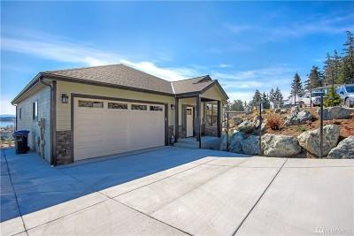 Oak Harbor Single Family Home For Sale: 611 SW Founders