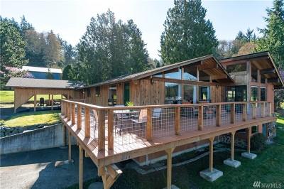 Oak Harbor Single Family Home Pending Inspection: 211 Cornet Bay Rd