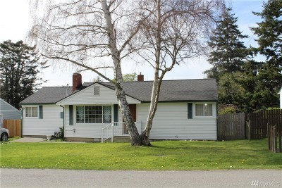 Oak Harbor Single Family Home For Sale: 345 SE O'leary St
