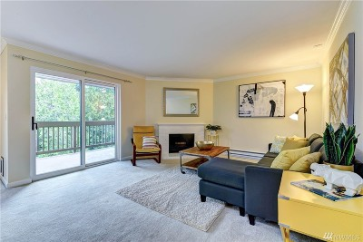 Bellevue Condo/Townhouse For Sale: 10423 NE 32nd Place #E205