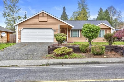 Everett Single Family Home For Sale: 1125 Center Rd