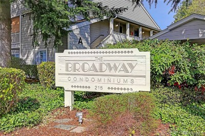 Everett Condo/Townhouse For Sale: 215 100 St SW #D306