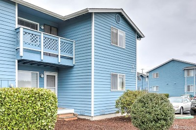 Oak Harbor Condo/Townhouse Pending: 537 NE Ellis Wy #A201
