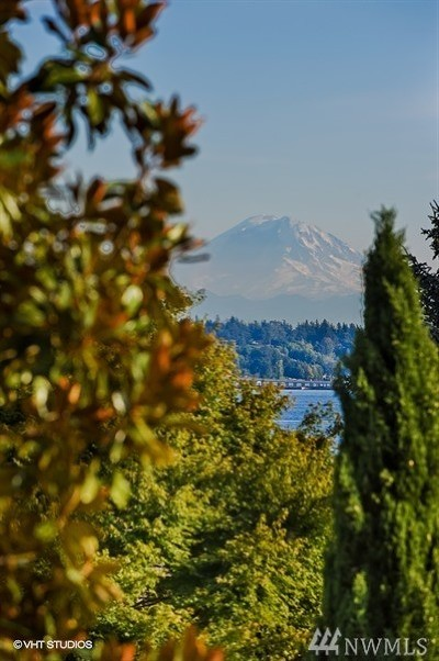 Seattle Single Family Home For Sale: 5552 NE Windermere Rd