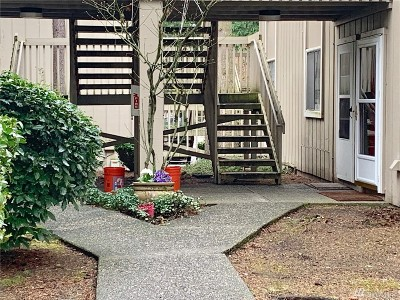 Lynnwood Condo/Townhouse For Sale: 4801 180 St SW #B108